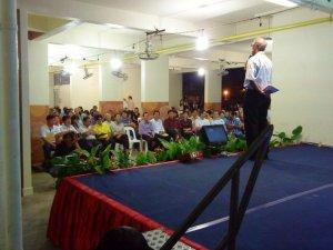 Mr Zainul addressing residents